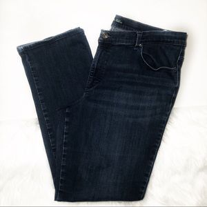 3/$20 Lee relaxed fit straight leg jeans 18 long